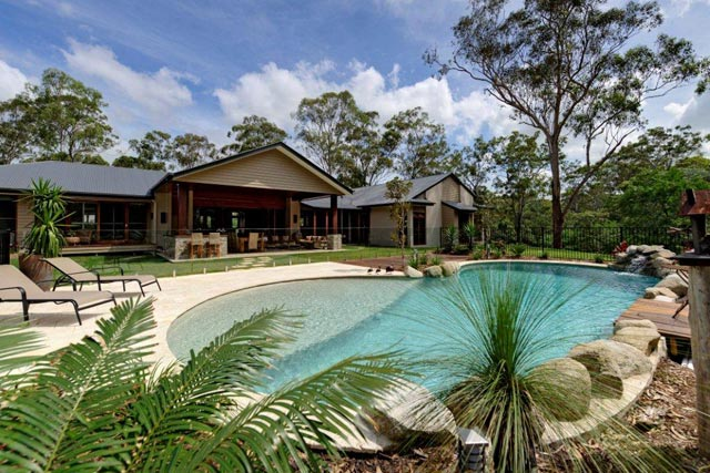 Freeform pools queensland family pools for Pool home show brisbane
